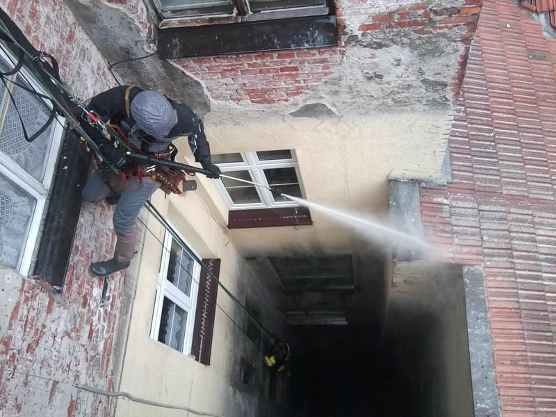 Mycie elewacji – Mały Rynek, Kraków